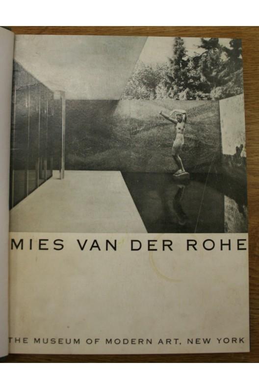 MIES VAN DER ROHE / PHILIP C. JOHNSON